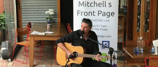 Chris Kenna plays live on Mitchell's Front Page- click to play video