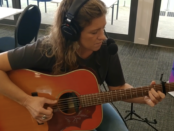 Kinnon plays live on 94.7 The Pulse